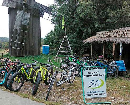 Прокат велосипедів у музеї Пірогово